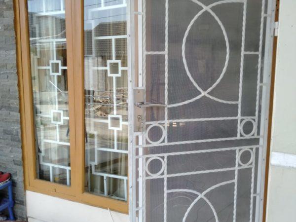 Pintu Teralis